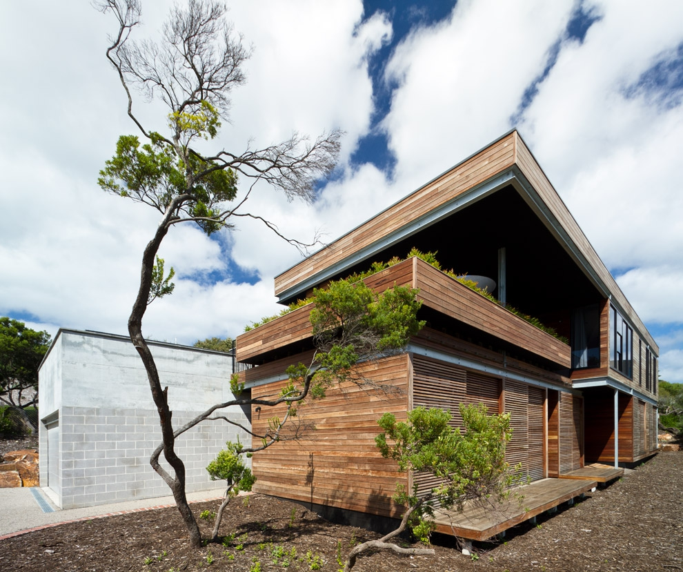 Contemporary Australian Home Architecture On Yarra River: Neocribs: Modern Timber Holiday House