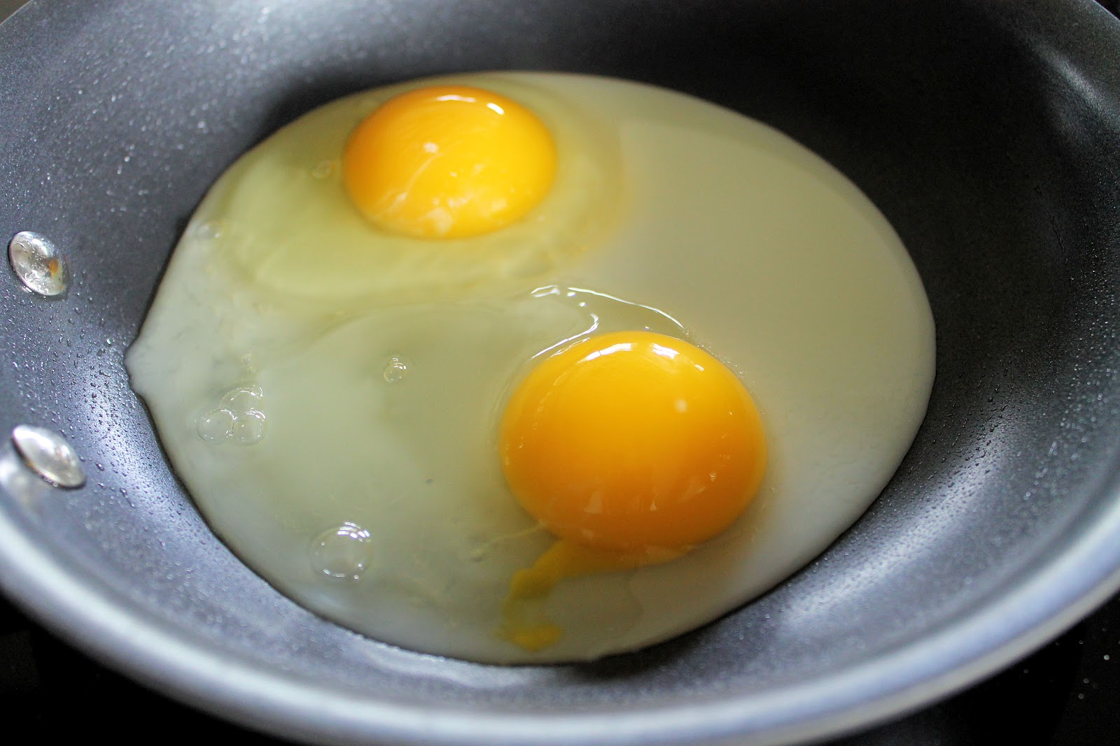 ... sunny side up eggs recipe perfect sunny side up eggs recipe yummly