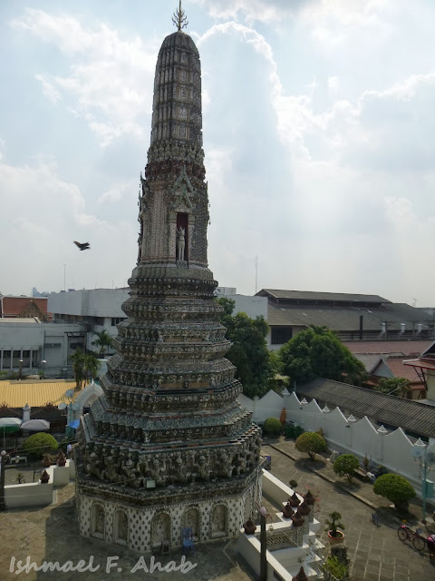 One of the satellite prangs of Wat Arun