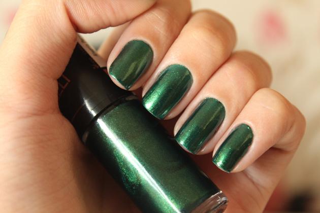 Marca esmalte verde Giovanna Antoneli novela Amor à Vida