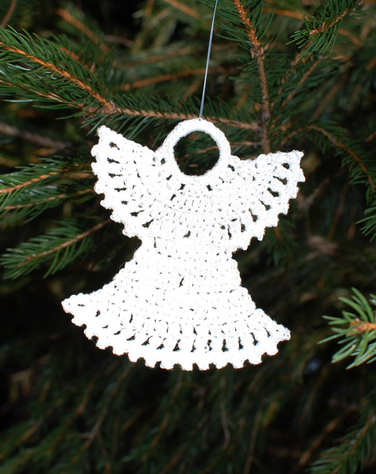 Free Thread Crochet Christmas Ornaments Patterns : Crocheted Christmas Ornaments Petals to Picots