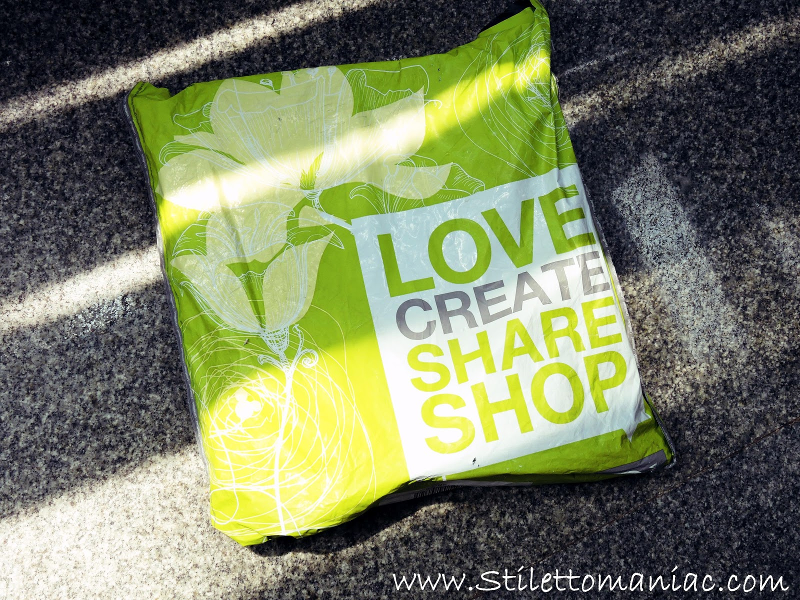 How to create scrapbook on limeroad - However It Has Been A While Since I Shopped From Lime Road A Few Days Back I Got A Chance To Shop Again And That Was When I Chose This Gorgeous Lime Bag