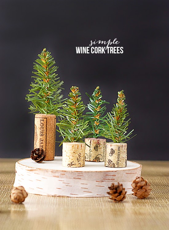 wine-cork-craft bottle brush Christmas trees