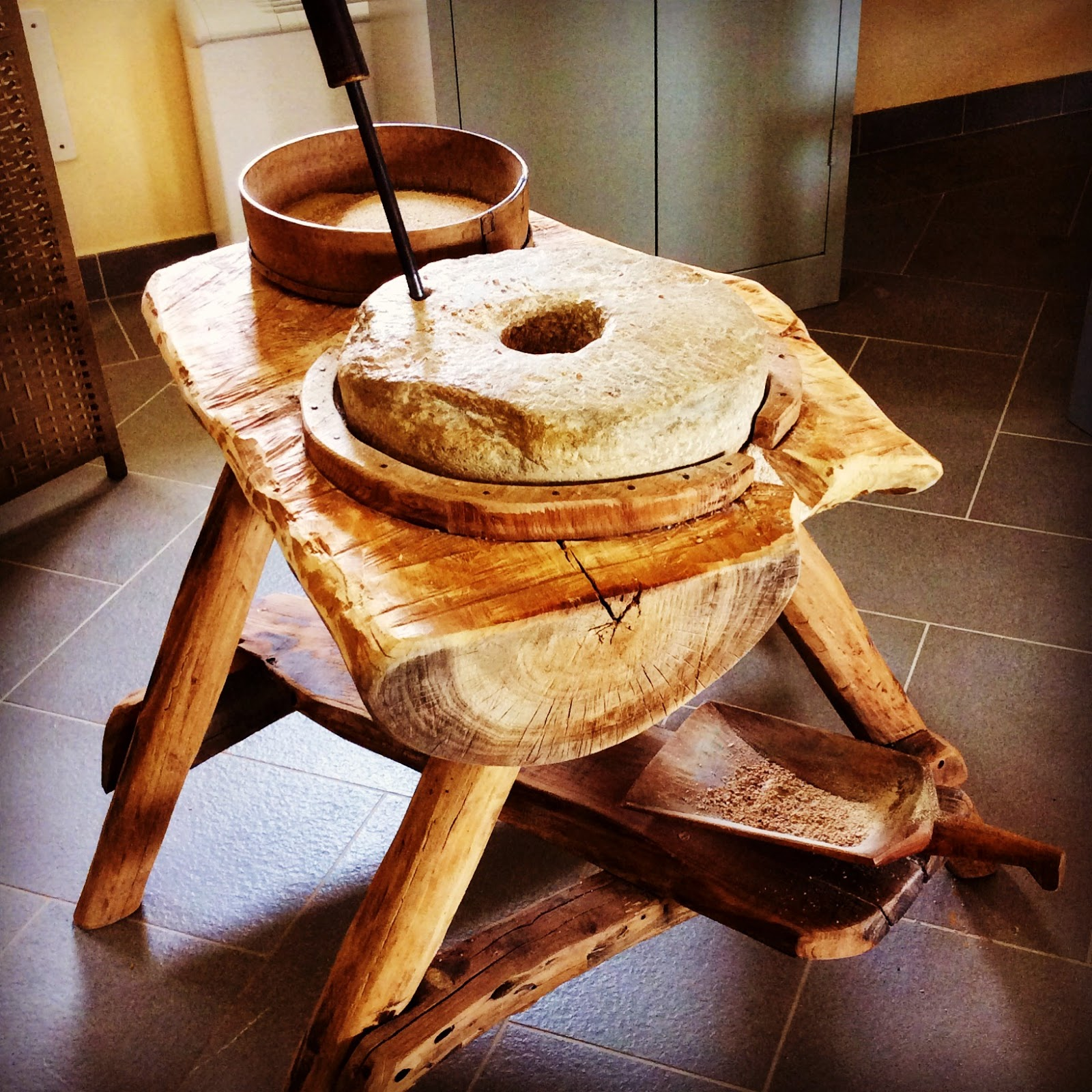 Visita al museo della vita contadina in romagna san for Macchina da cucire salmoiraghi 133