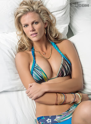 Sexy Sports Illustrated Swimsuit Model Brooklyn Decker
