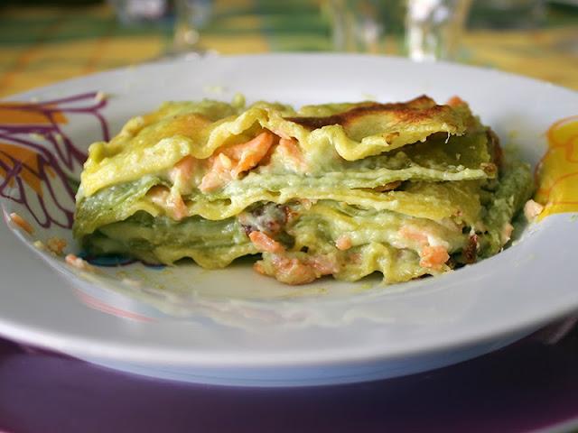 Lasagne con salmone affumicato e besciamella agli asparagi