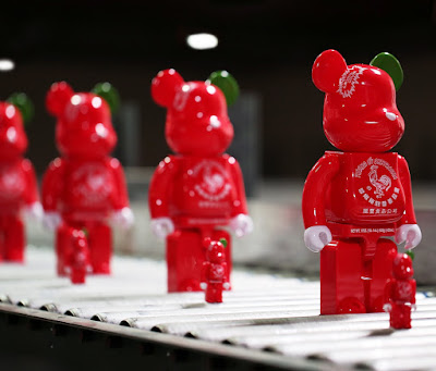 San Diego Comic-Con 2015 Exclusive Sketracha Be@rbrick 100% & 400% Double Pack by Sket One x Bait x Medicom x Huy Fong Foods