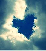 Ver por todas parte un corazón , con tu imagen.