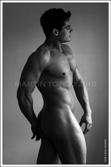 Desnudos Art Sticos Hombre Mirando Hacia Adentro