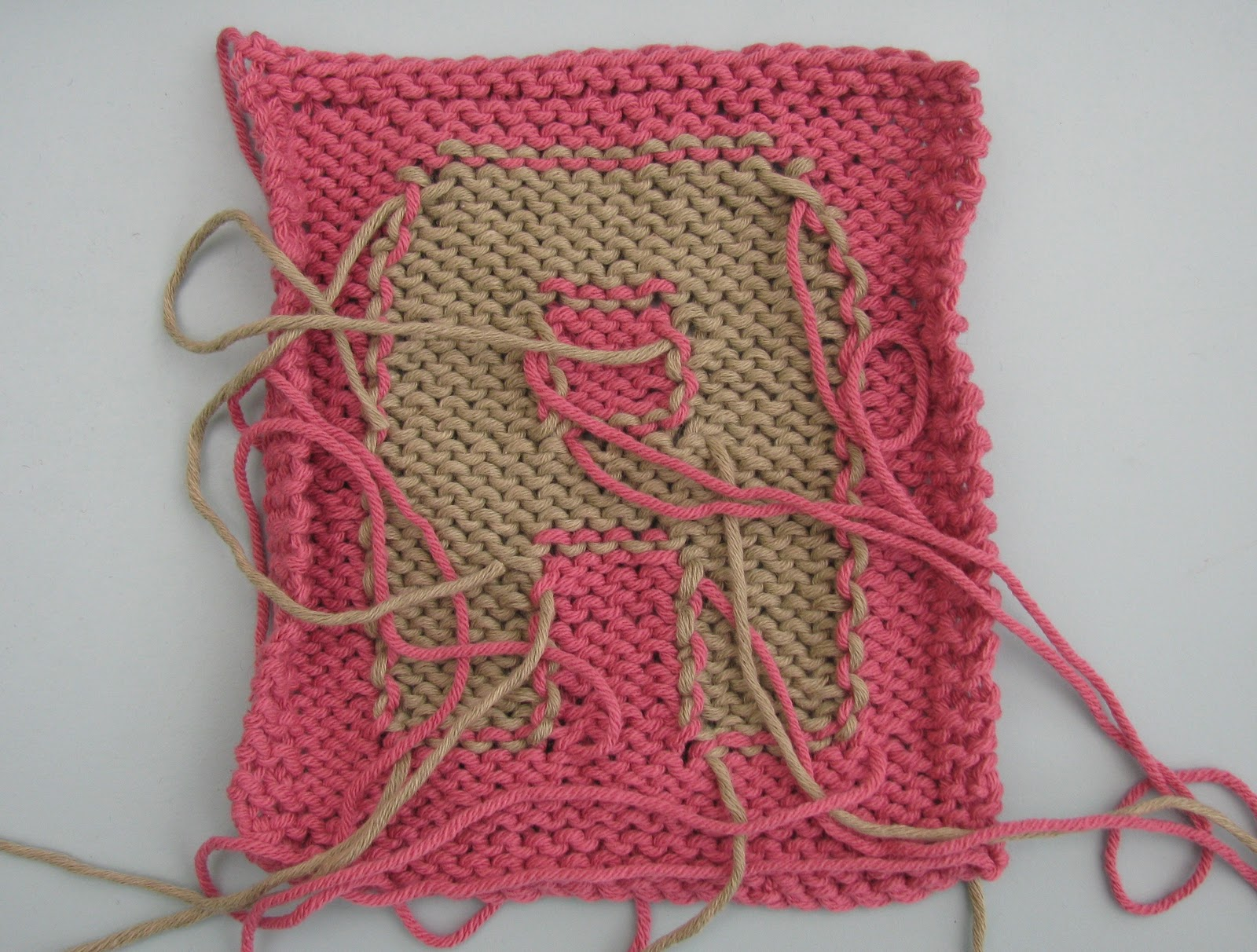 Knitting Intarsia : The woolly brew intarsia a very beginners guide in tips