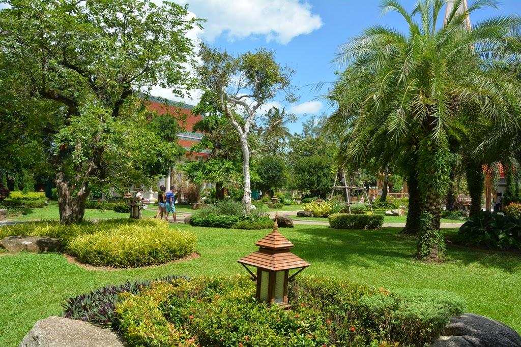 Wat Chalong Temple Phuket garden