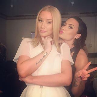 Iggy Azalea & Demi Lovato VMA Backstage