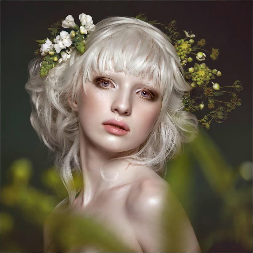 Les albinos ont souvent les yeux clairs (bleu, vert, marron), même si le  maquillage des yeux doit être adapté à la couleur des yeux, il convient de  choisir
