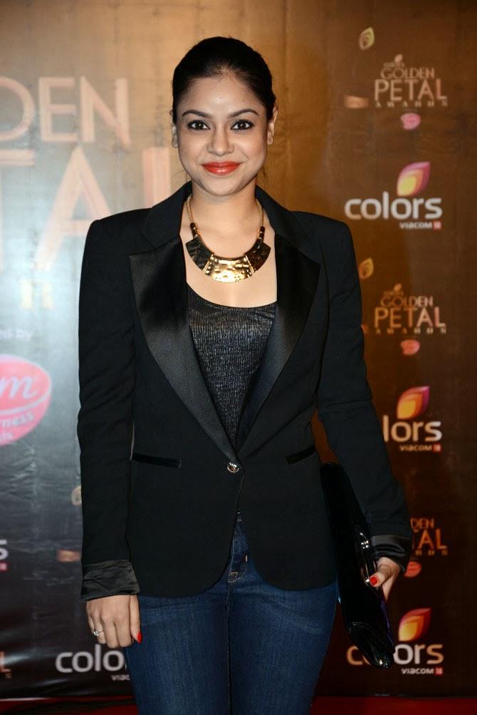 Sumona Chakraborty hot thight blue jeans