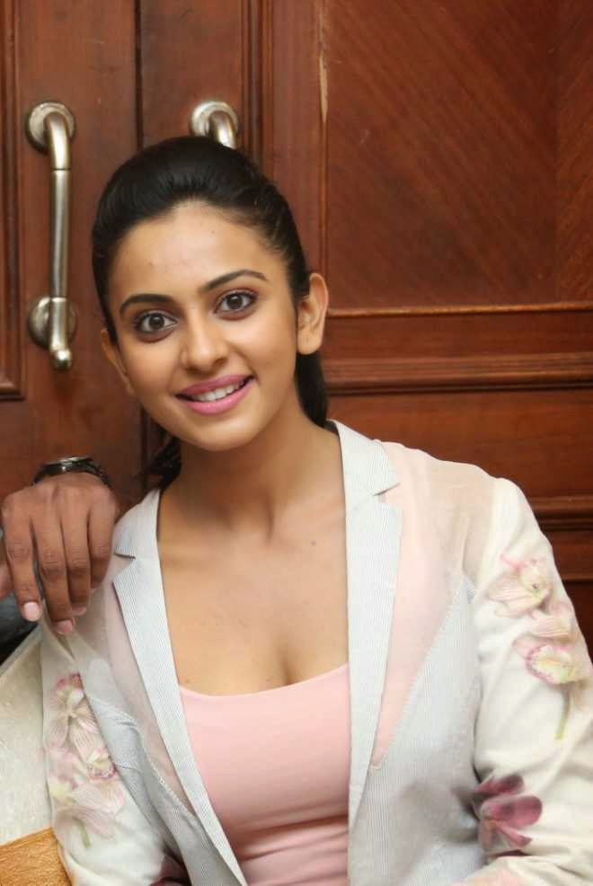 rakul preet singh hot cleavage pics in pink blazers