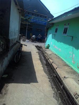 kota malang, pengangguran, program, masyarakat, drainase, proyek, akses, disnakertrans, kelurahan, gambar 1