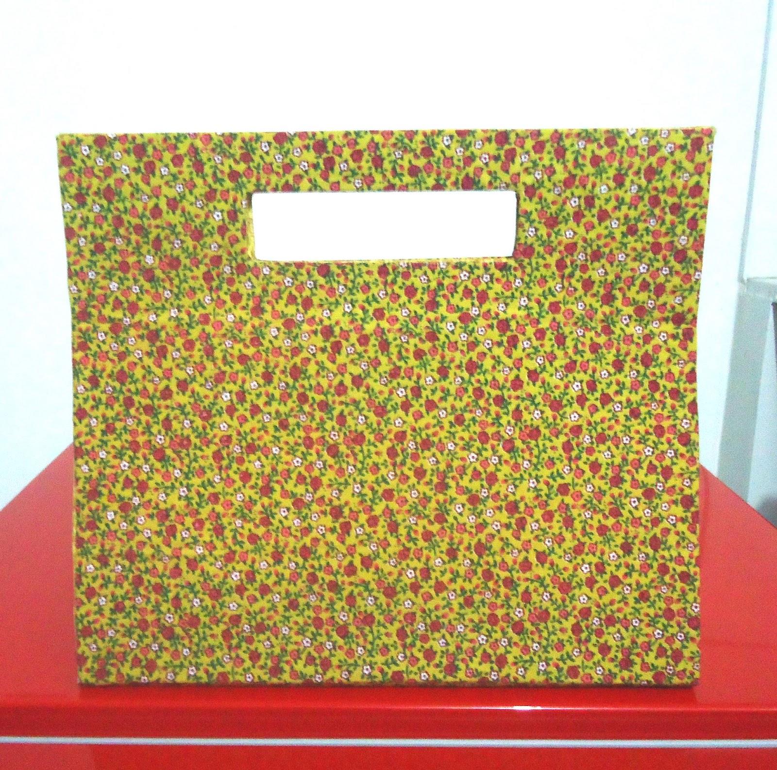 Bolsa De Mão Feita Com Papelão : Reciclarte bolsa com al?a vazada feita de papel?o
