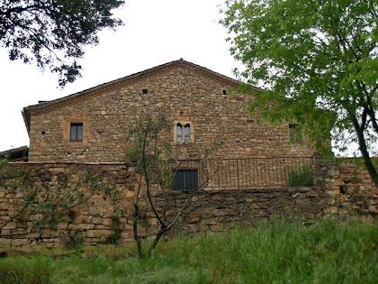 La façana de migdia del mas Torrebruna