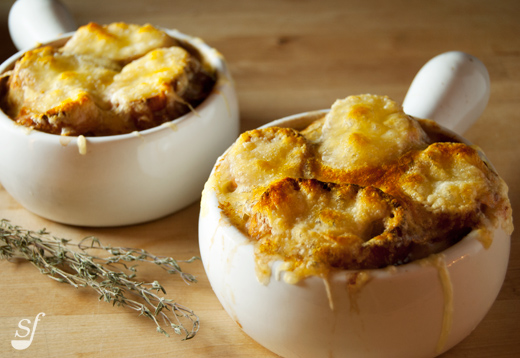 Steph joue au chef soupe l 39 oignon gratin e de jamie oliver - Soupe a l oignon gratinee ...