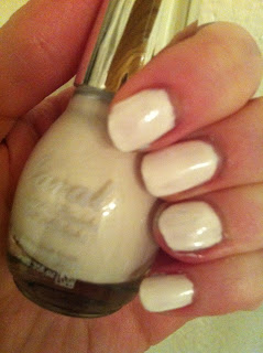 Laval Nailpolish 2 coats