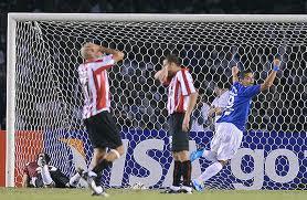 Cruzeiro 1 x 2 Estudiantes - 2009