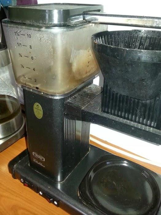Ruokasooda puhdistus kahvinkeitin