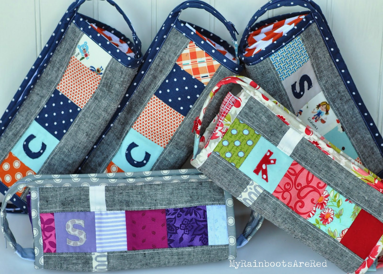 http://myrainbootsarered.blogspot.com/2014/01/sew-together-bags.html