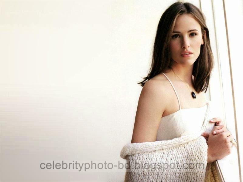 Jennifer+Garner+Latest+Hot+Photos+With+Short+Biography007