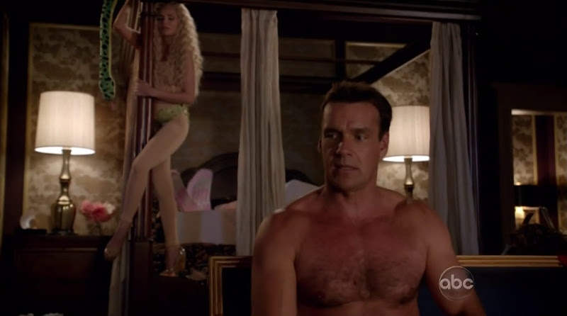 David James Elliott Shirtless in GCB s1e03