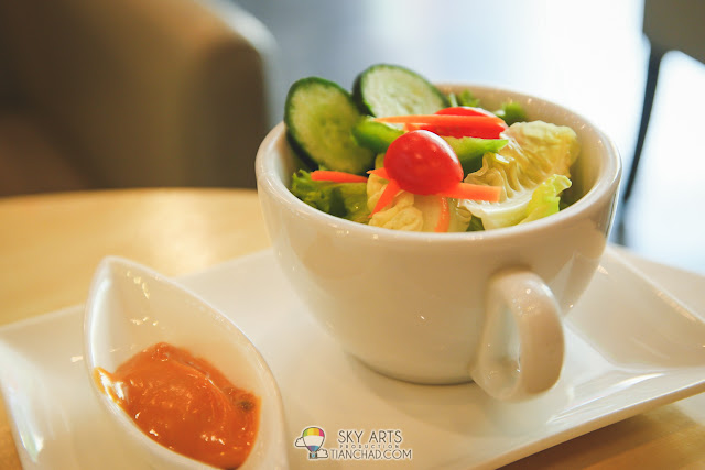 Salad with dressing at side -  TiPsy Brew O'Coffee @ Puchong Setiawalk
