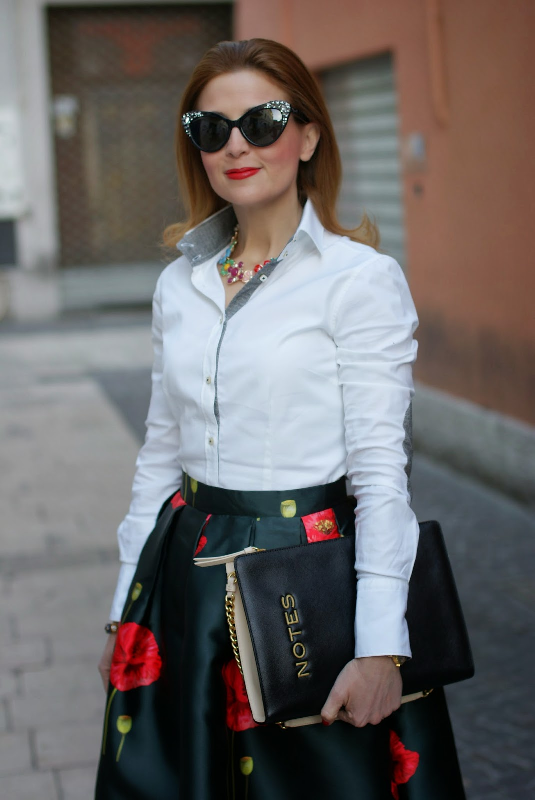 Moschino Notes clutch, Romwe midi skirt, poppy print skirt, Fashion and Cookies, fashion blogger