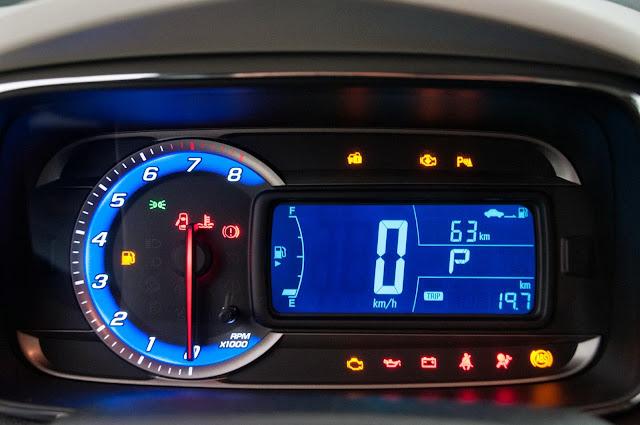 carro Tracker Chevrolet 2014 - painel de instrumentos