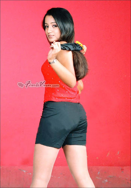 Indian beautiful actress Trisha wearing black tight shorts