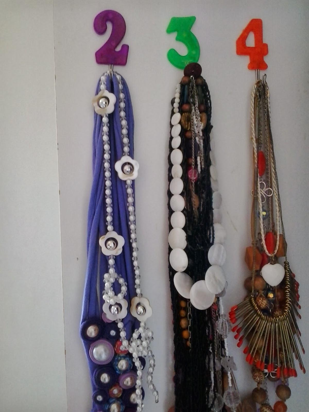 cabide de colares