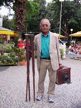 Fotógrafo de Jardins da Praça do Largo do Machado, Jorge T. da Silva. 2006. RJ.