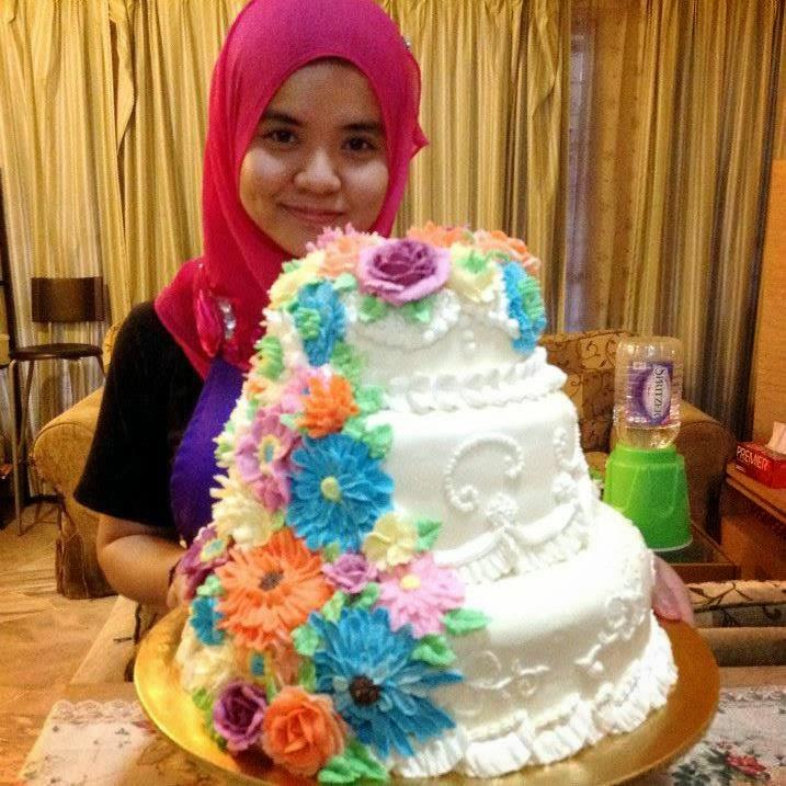 Saya suka buat cake =)