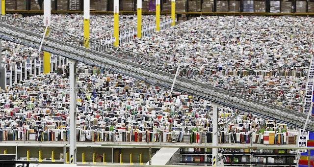 Internet Retailer Amazon Warehouse