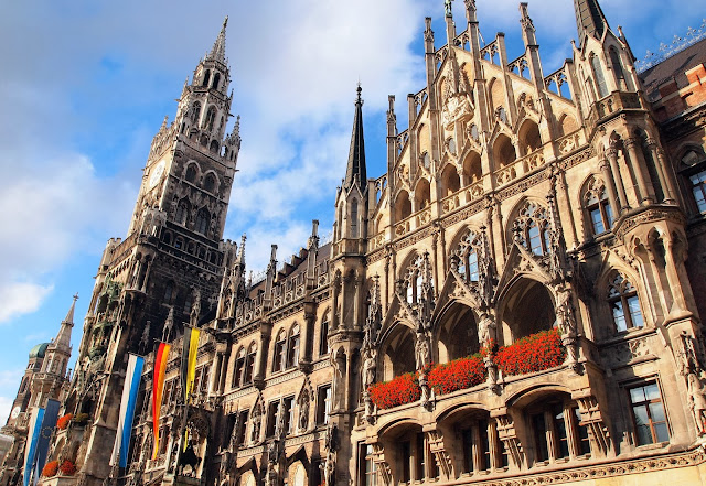 The new Town Hall in Marienplatz, Munich