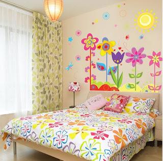 camera dei bimbi con adesivo da muro removibile immagine