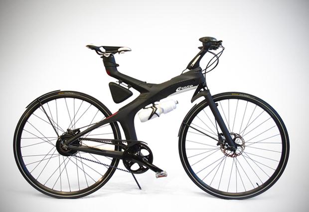 Conceito de bicicleta elétrica com conexão às redes sociais