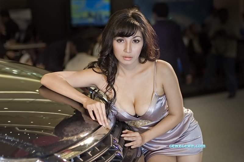 Cewecewe.com Model Popular, Model Seksi, Model Indonesia