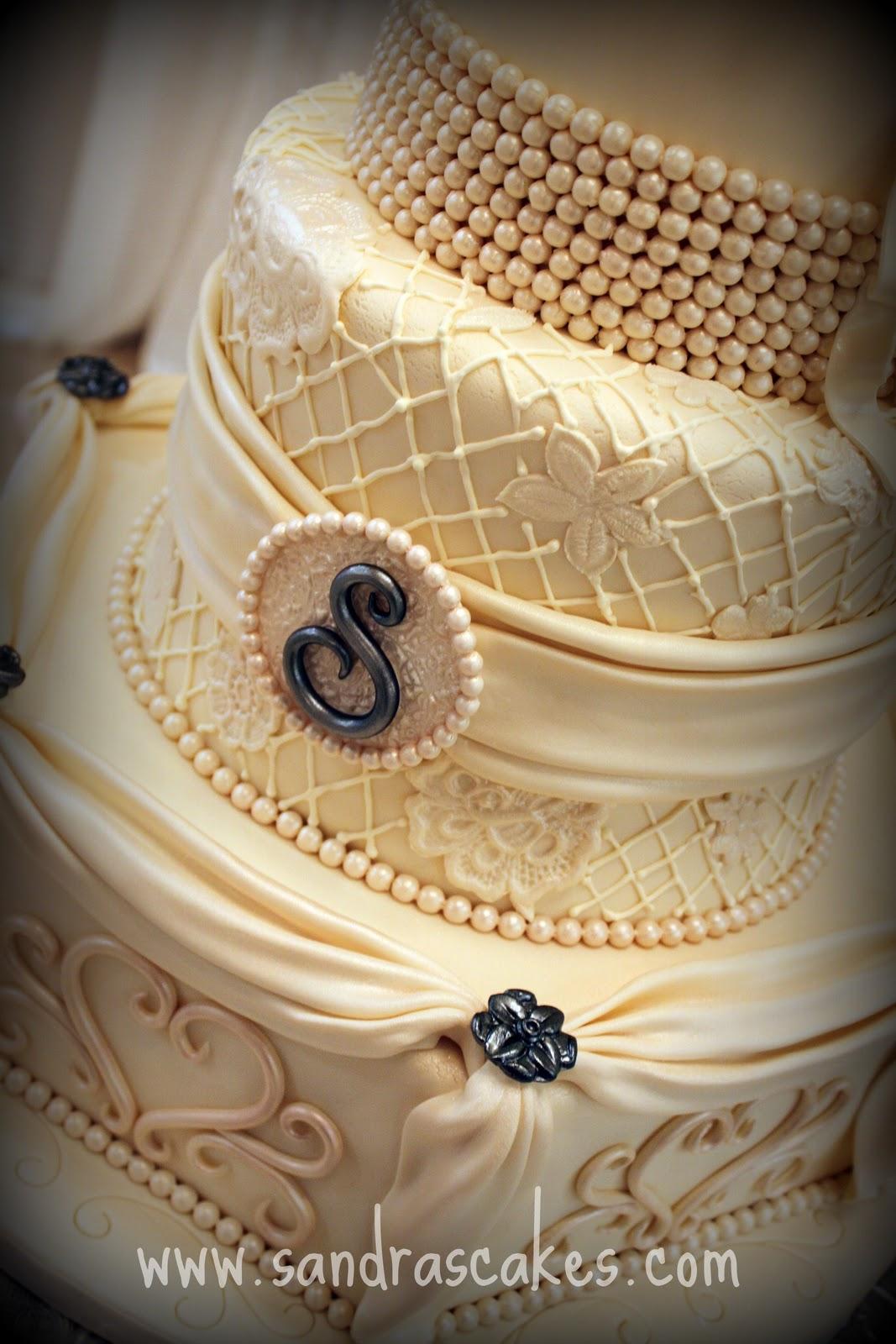 Sandra s Cakes Stunning Vintage Wedding Cake
