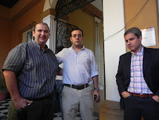 EL NUEVO DIRECTOR EJECUTIVO DE PAMI CORRIENTES, EL DR. LUCIO CORNEJO, JUNTO A CARLOS ZINI Y ALONSO.
