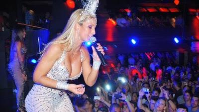 Valesca se apresenta em boate para o público LGBTS no Rio (Foto: Myrelle Symio)