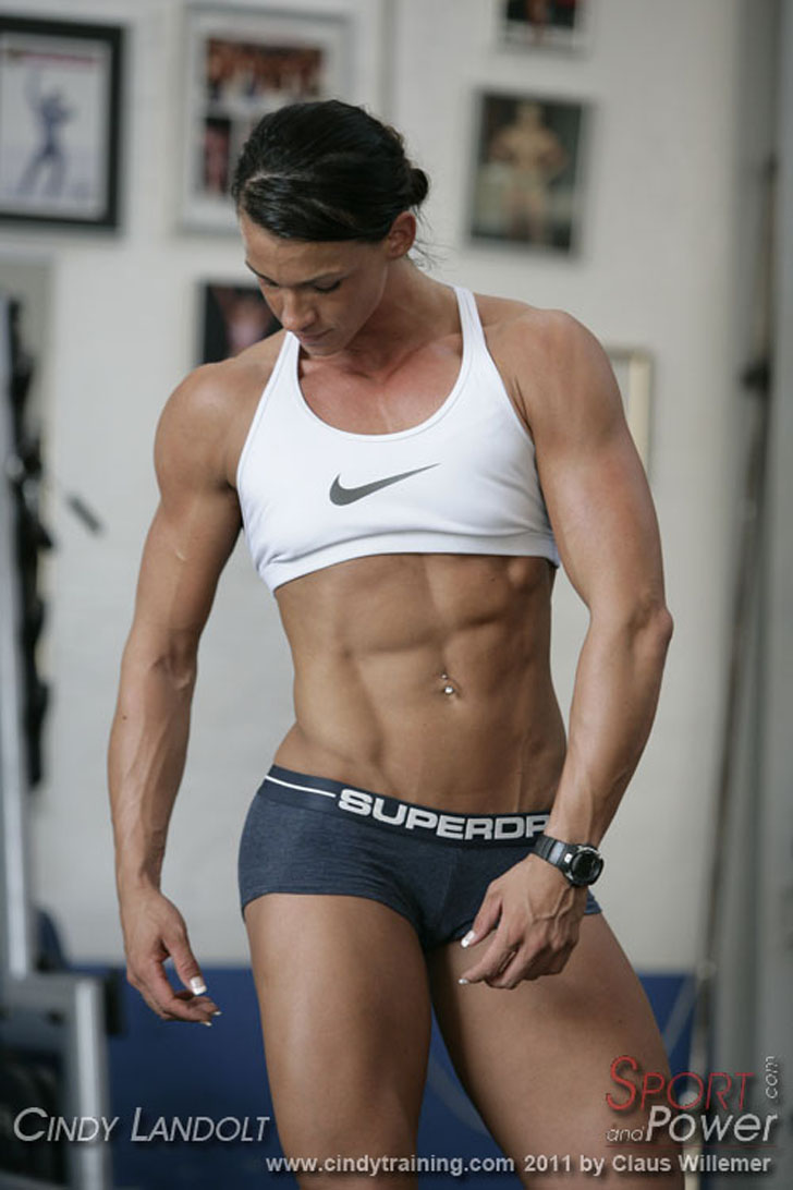 Cindy Landolt Models Her Fit Body And Shredded Abs At The Gym