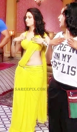 Tamanna-Bhatia-yellow-saree-Himmatwala-movie-location