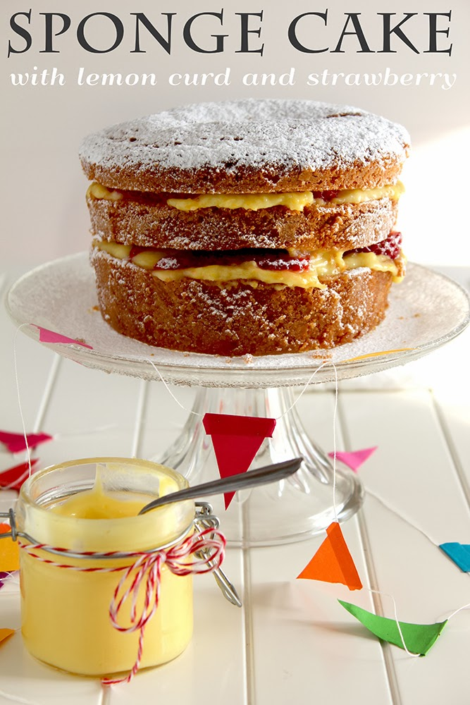 sponge cake with lemon curd filling e 2 anni di blog