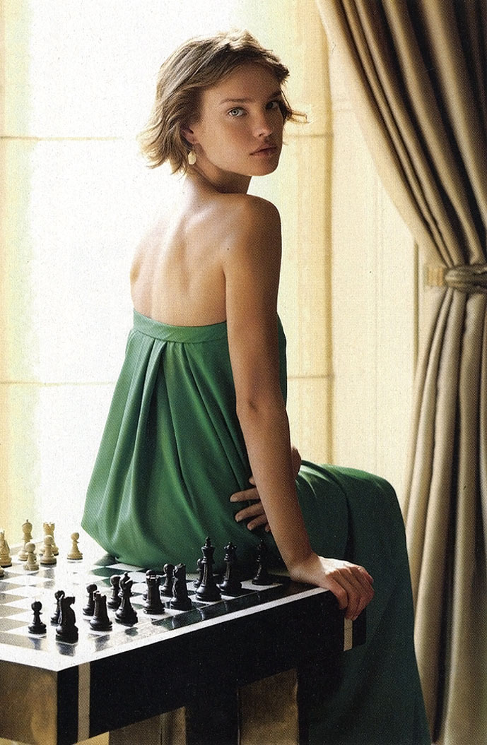 Natalia Vodianova in Evening Standard April 2007 (photography: Robert Wyatt, stylilng: Nicky Yates)