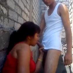 Pulou o Muro e Pegou a Vizinha - http://www.videosamadoresbrasileiros.com