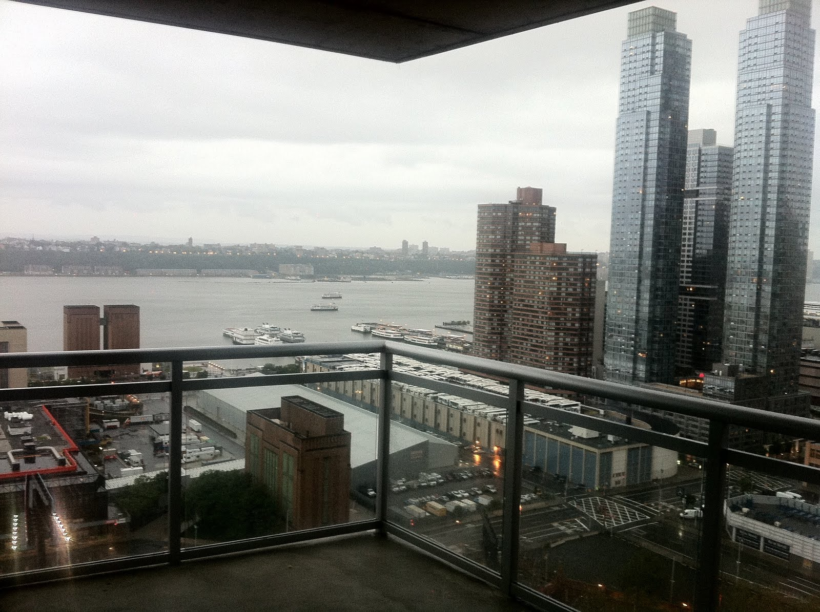 Max estenger hurricane irene for New york balcony view